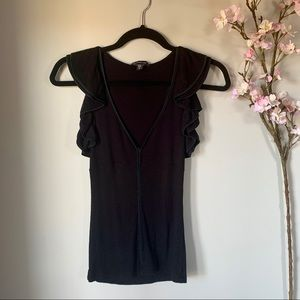 BEBE / FITTED RUFFLE TANK TOP